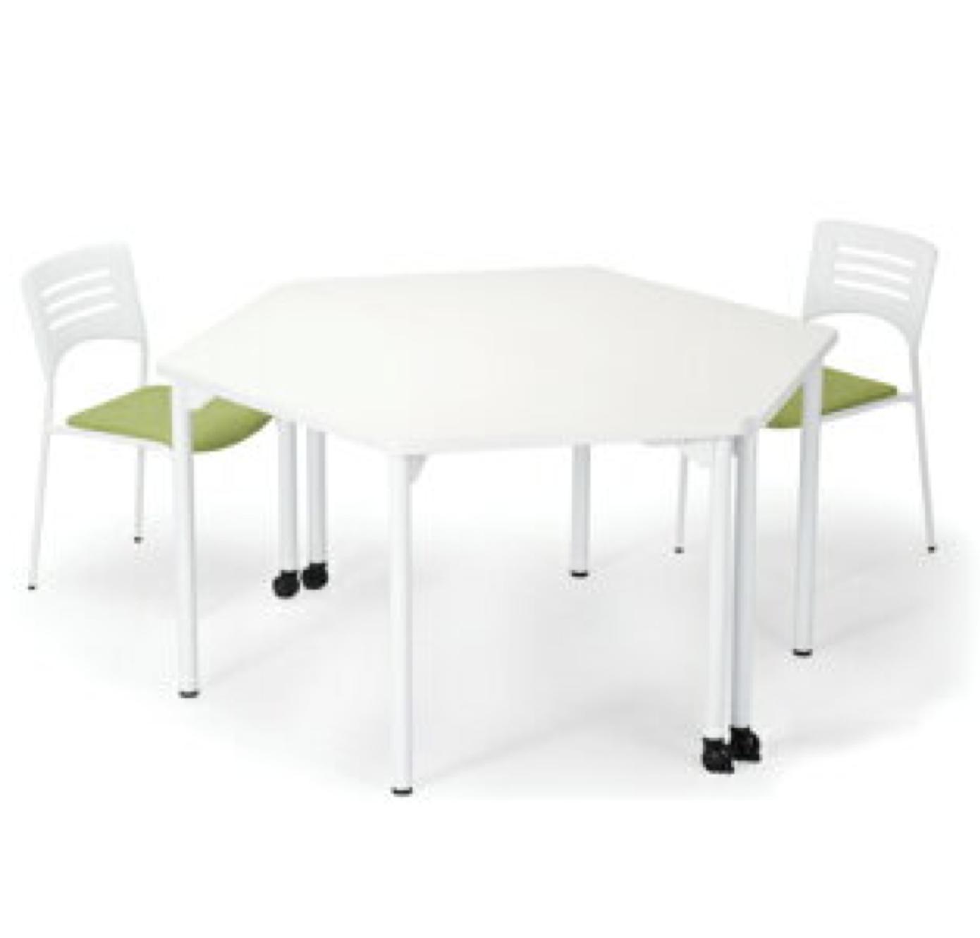 打ち合わせスペースでミーティングテーブルとイスをレイアウトしたイメージ