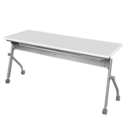 幕板なしのホワイト色のフォールディングテーブルを会議室で利用した際のイメージ