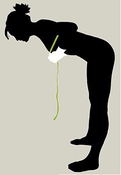 トップバストはヌードの状態、90度近く前かがみになり乳房を垂らして1周測ります。