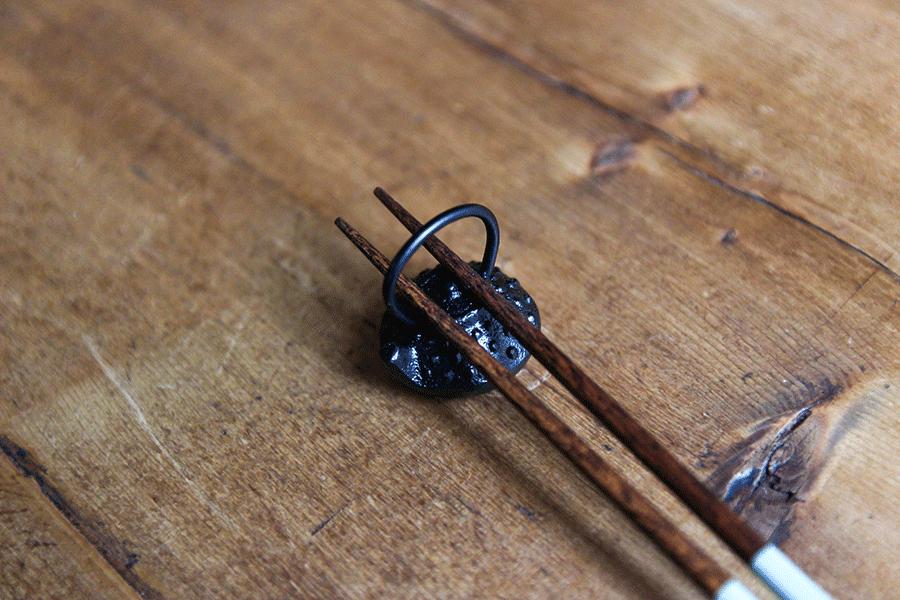 鉄瓶型 箸おき 南部鉄器