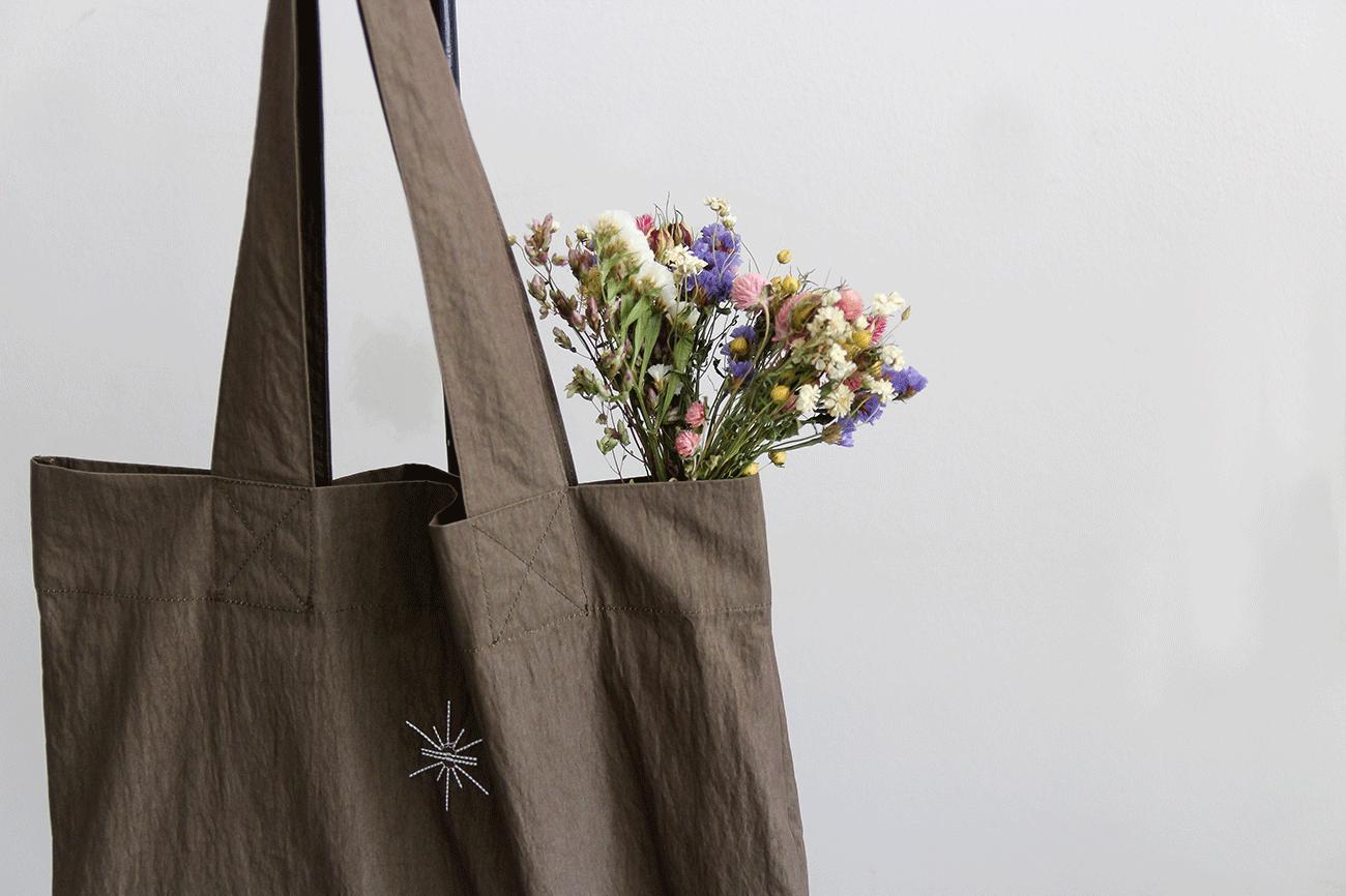 60/40 Flower Tote Bag(フラワートートバッグ)/karin(カリン)
