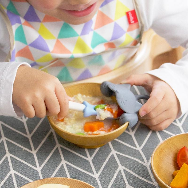 マーナ MARNA baby 上手にすくえる ぱくぱくスプーン&キャッチャー ネコ K716