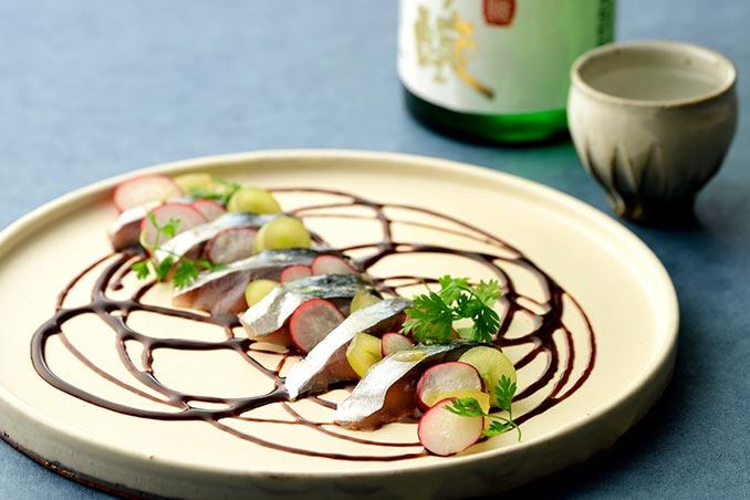 サバささ燻と日本酒
