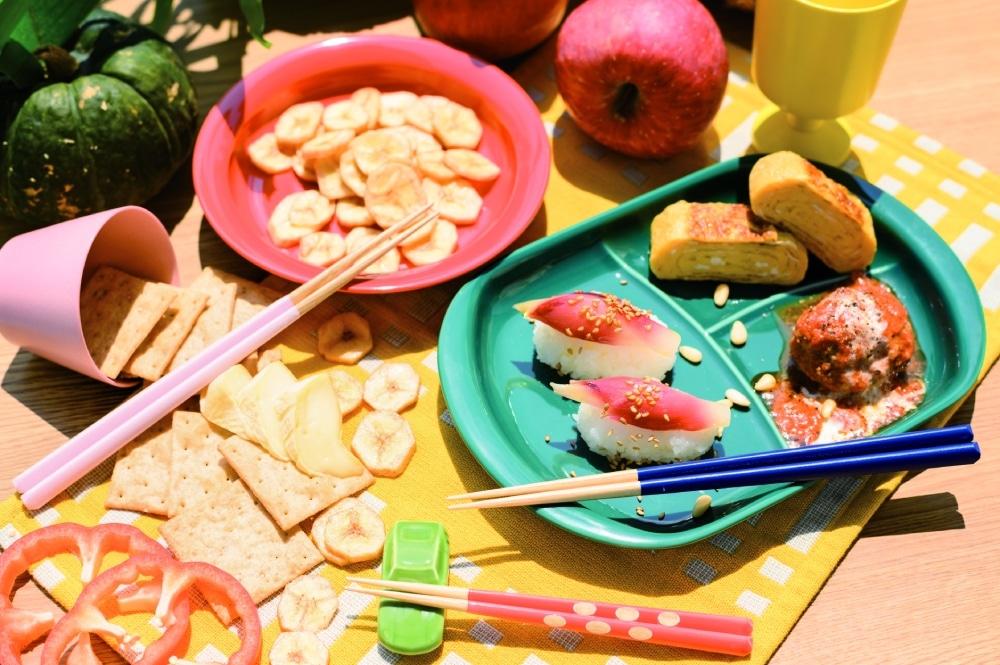 マルヒロと箸蔵まつかんとのコラボレーション 虹色箸 もぐもぐごっくん箸
