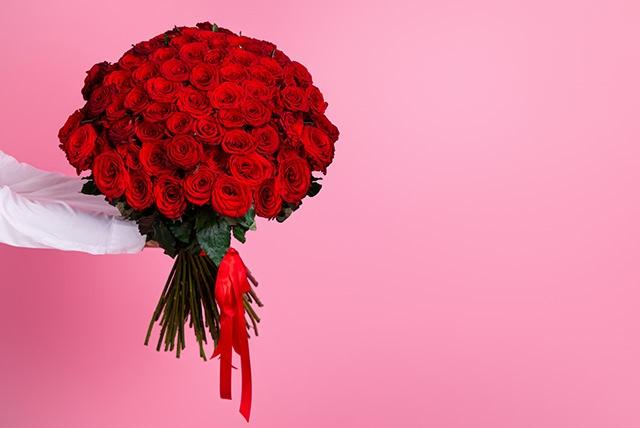 プロポーズで花束を渡す際の気を付けたいポイント