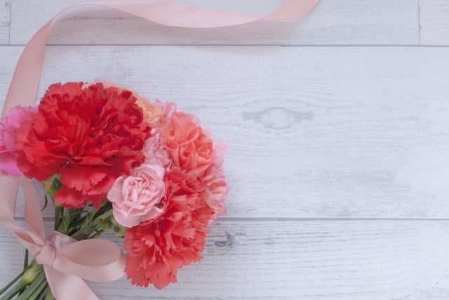 プロポーズに最適な花束の花言葉は?