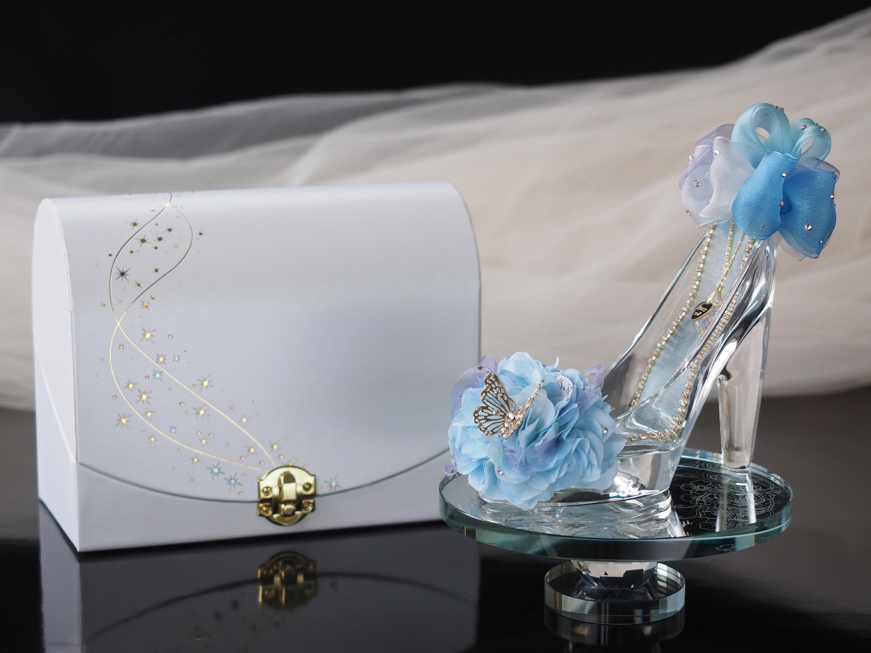 ガラスの靴で素敵なプロポーズを演出!成功のポイントは場所とタイミング