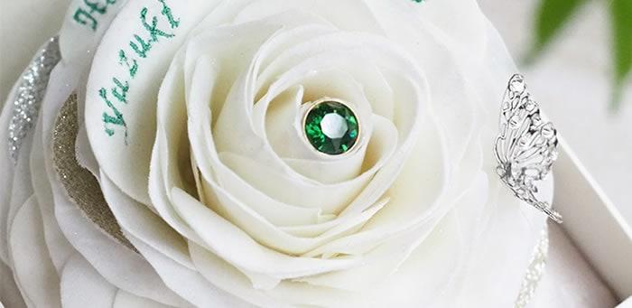 ハンドメイドで作る温かみのある白いバラ