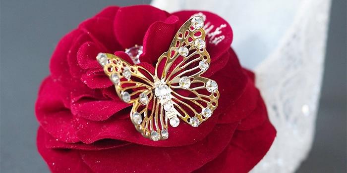 美の象徴 蝶々モチーフ