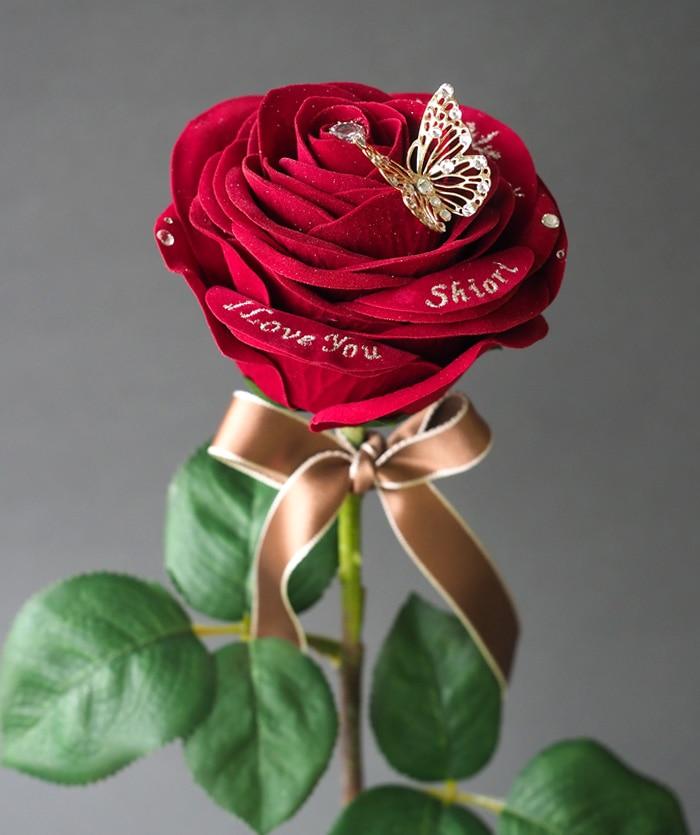 ずっと形に残る赤バラの魅力