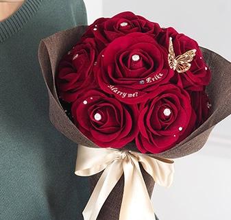赤バラ12本の花束がお好みの方はこちら