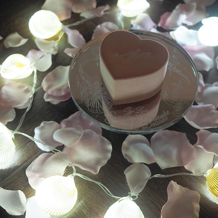 夏のプロポーズを盛り上げる花びら50枚と天然貝キャンドルのサプライズ演出