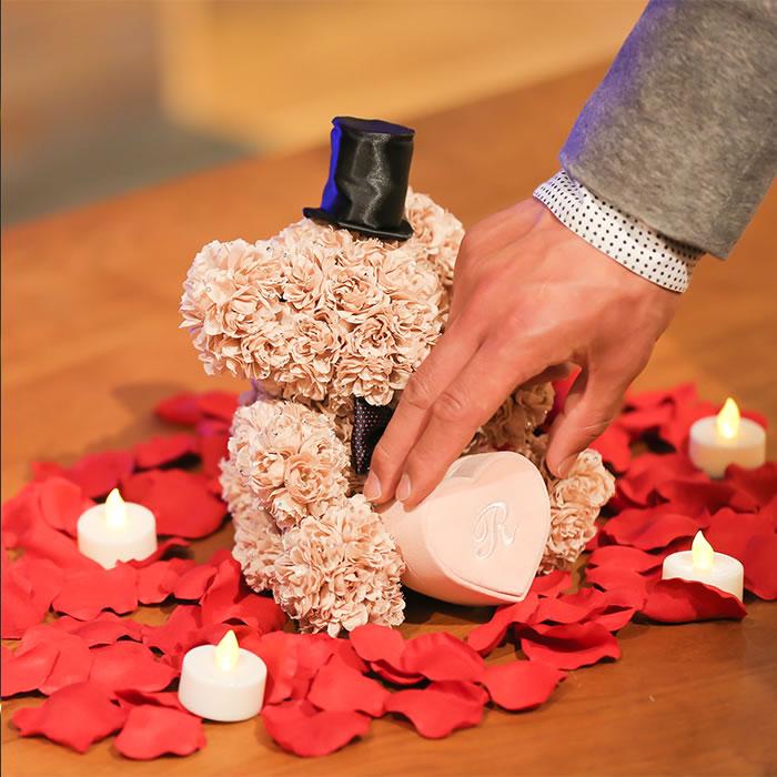 プロポーズを盛り上げるサプライズグッズ