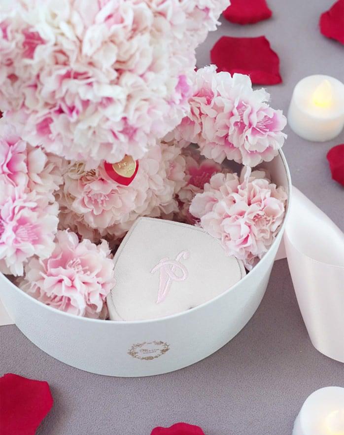 ボックスの中に桜ベアとプロポーズボックスを忍ばせるアイデア