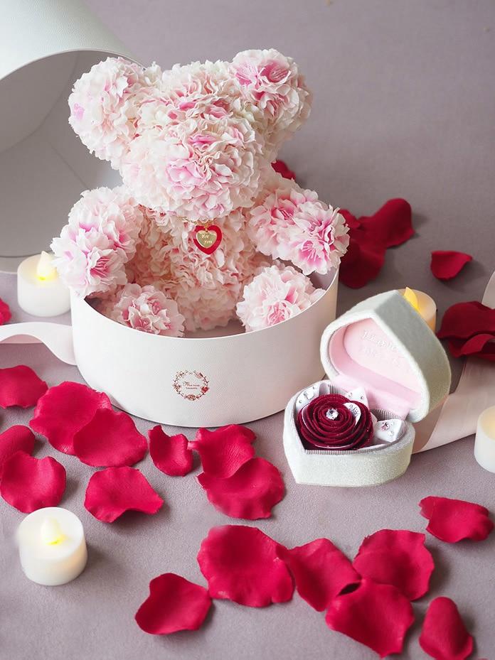 セットで渡したいプロポーズボックスと桜ベア