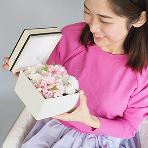 フラワーアレンジメント桜ボックスギフト(持ち運び袋付き)
