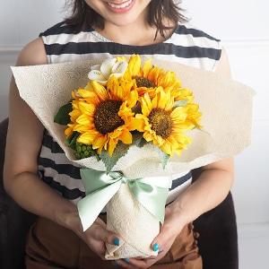 【プロポーズ・誕生日・記念日】NEW花束風メッセージフラワー ひまわり(ガラス花瓶入り)