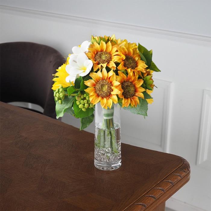 贈ったあとすぐに飾れるひまわりの花束ギフト