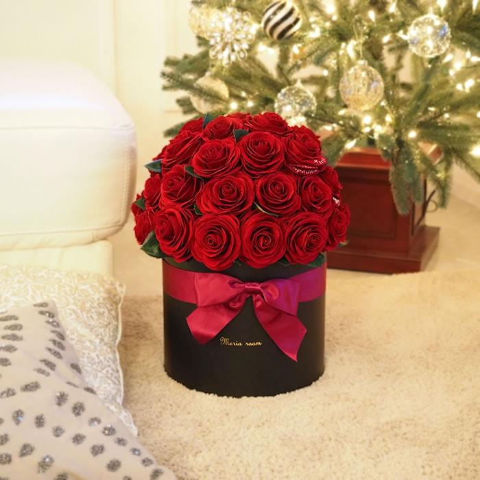 赤バラ×ボックスでシックな雰囲気に