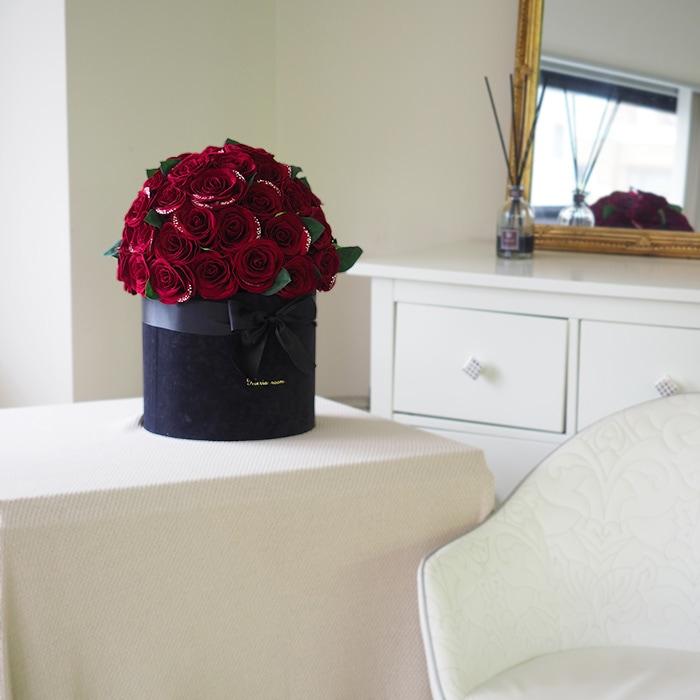 そのまま飾れる赤バラボックス
