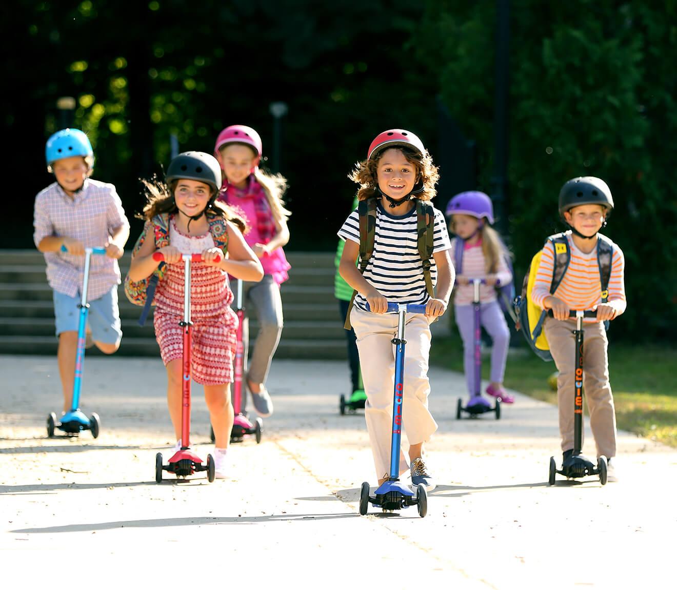 子供向け キックボード Maxi Micro Deluxe デザイン一新!滑止め加工もさらに強化!5歳〜11歳までのお子様向けキックボード