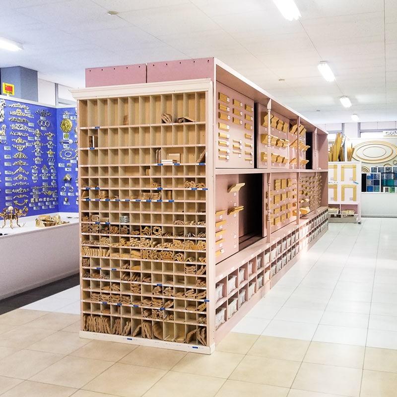玉川工場ショールーム みはしの製品展示風景