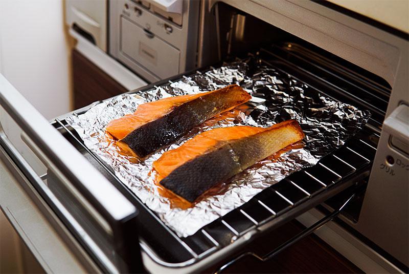 焼き魚をグリルで焼く前の写真