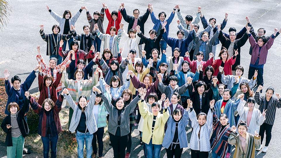 宮田織物スタッフ集合写真