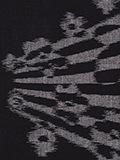 梅の木柄(黒)の写真