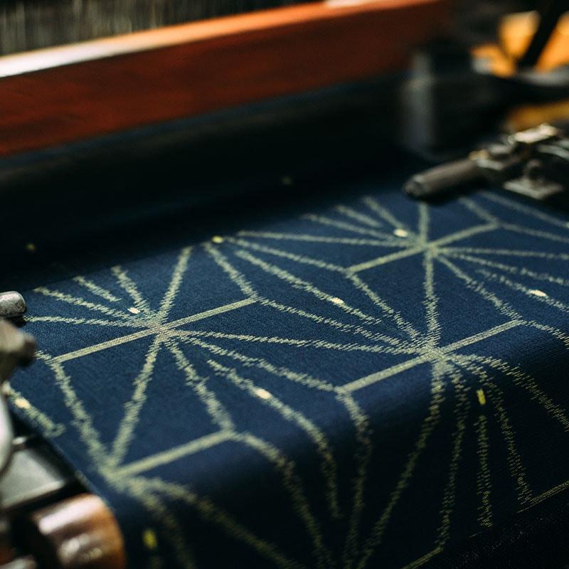 久留米絣の織り写真