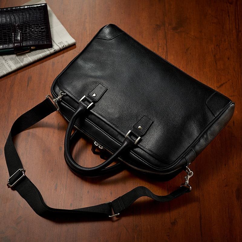 黒のビジネスバッグ