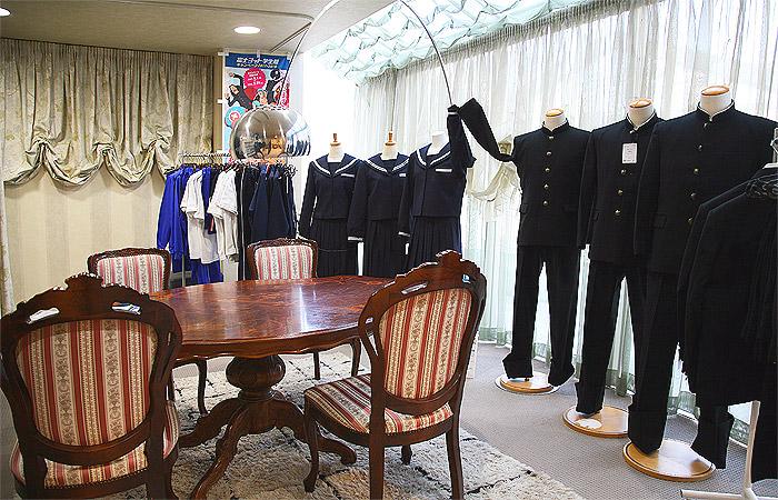 魚津市の制服、学生服、体操服 ナカキ採寸場所2