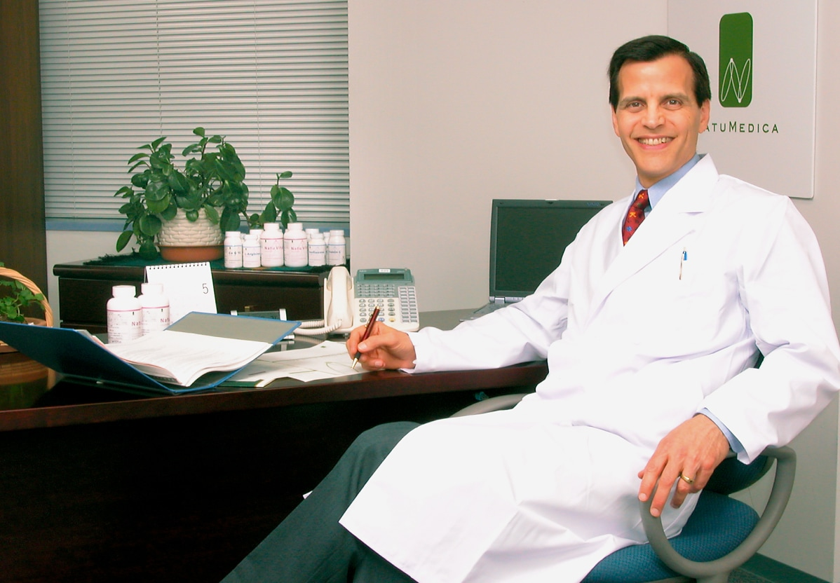 米国顧問医師       マイケル・ジャンスン博士