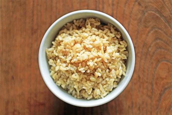無農薬・無肥料・天日干し・自然栽培米は、吉田自然農園の「きぬむすめ」玄米