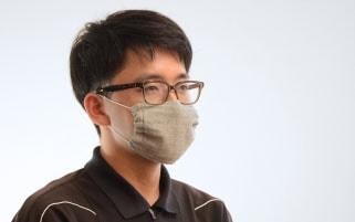 備長炭蚊帳生地マスク使用イメージ
