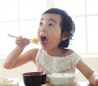 子供の食事イメージ