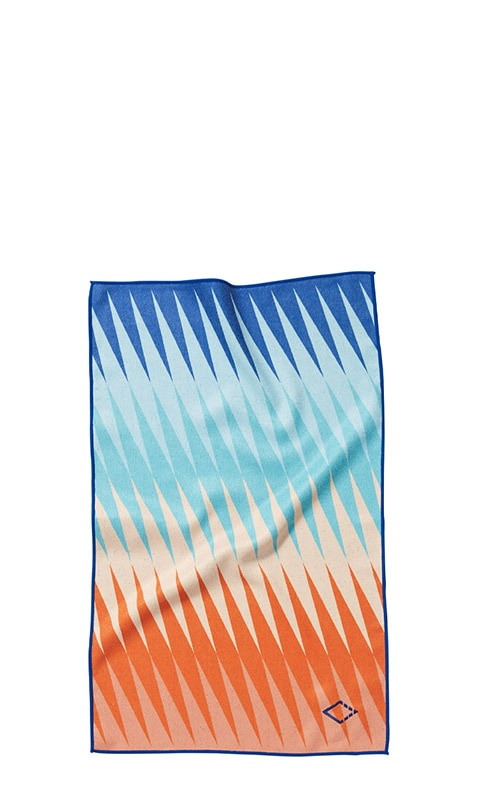 HEAT WAVE 07 RED/BLUE HAND TOWEL