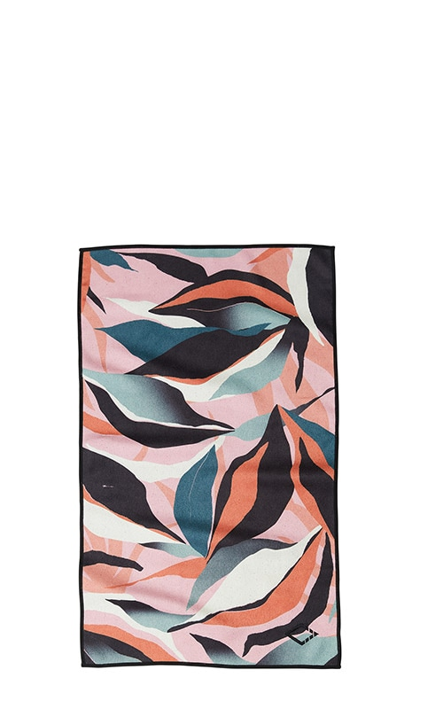 LEAFY 68 PINK HAND TOWEL