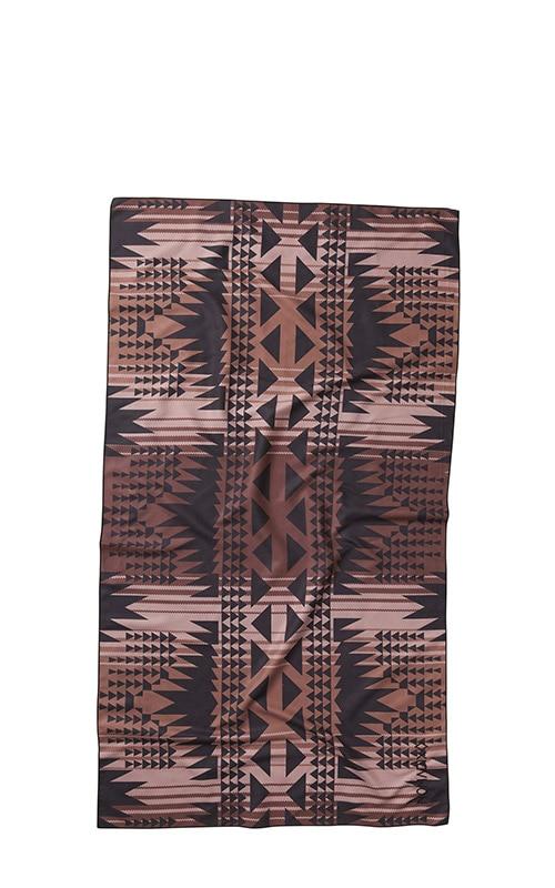 53 DAKOTA PLUM ULTRALIGHT TOWEL