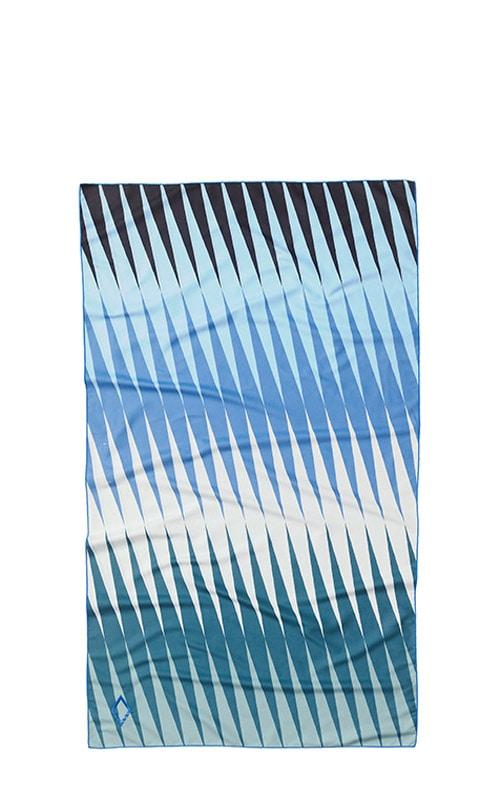 61 HEAT WAVE BLUE GREEN ULTRALIGHT TOWEL