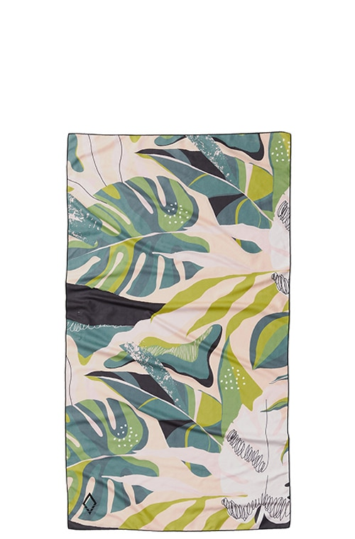 66 MONSTERA GREEN PINK ULTRALIGHT TOWEL