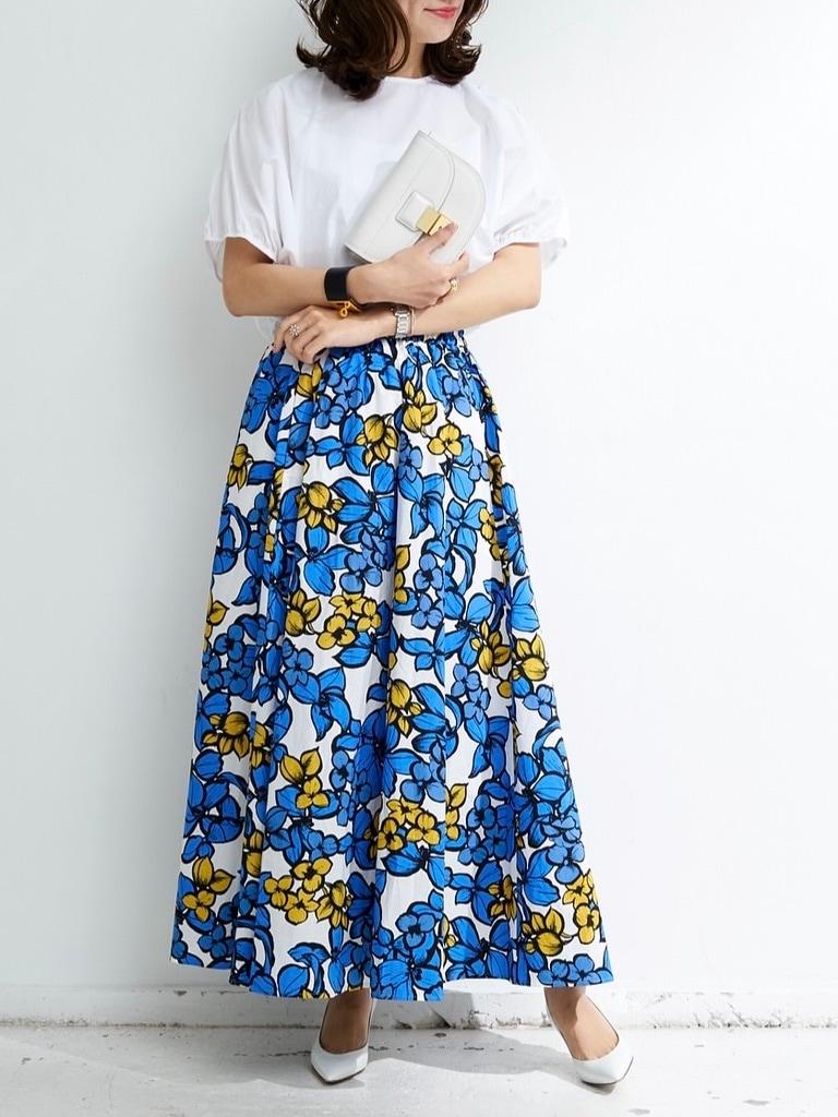 ブルーフラワーギャザースカート