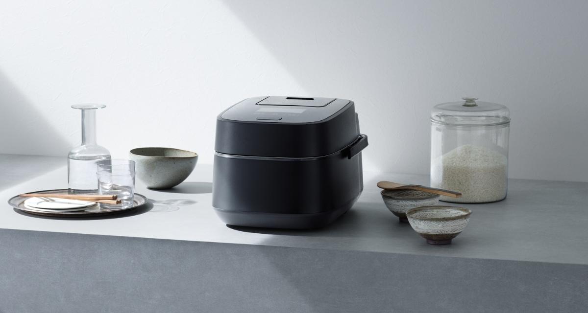 スチーム&可変圧力IHジャー炊飯器 SR-VSX1シリーズの写真です。