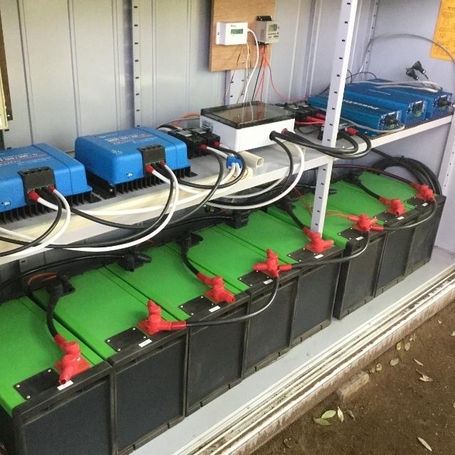 リチュウムイオン蓄電池 設置事例1