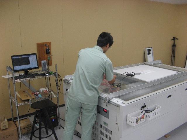 ソーラーシミュレータによるIV測定