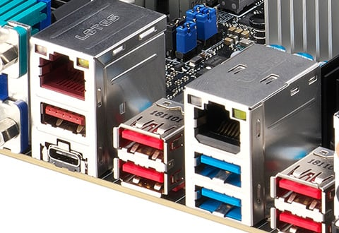 Marvell 10ギガビットLANとIntel LANを装備