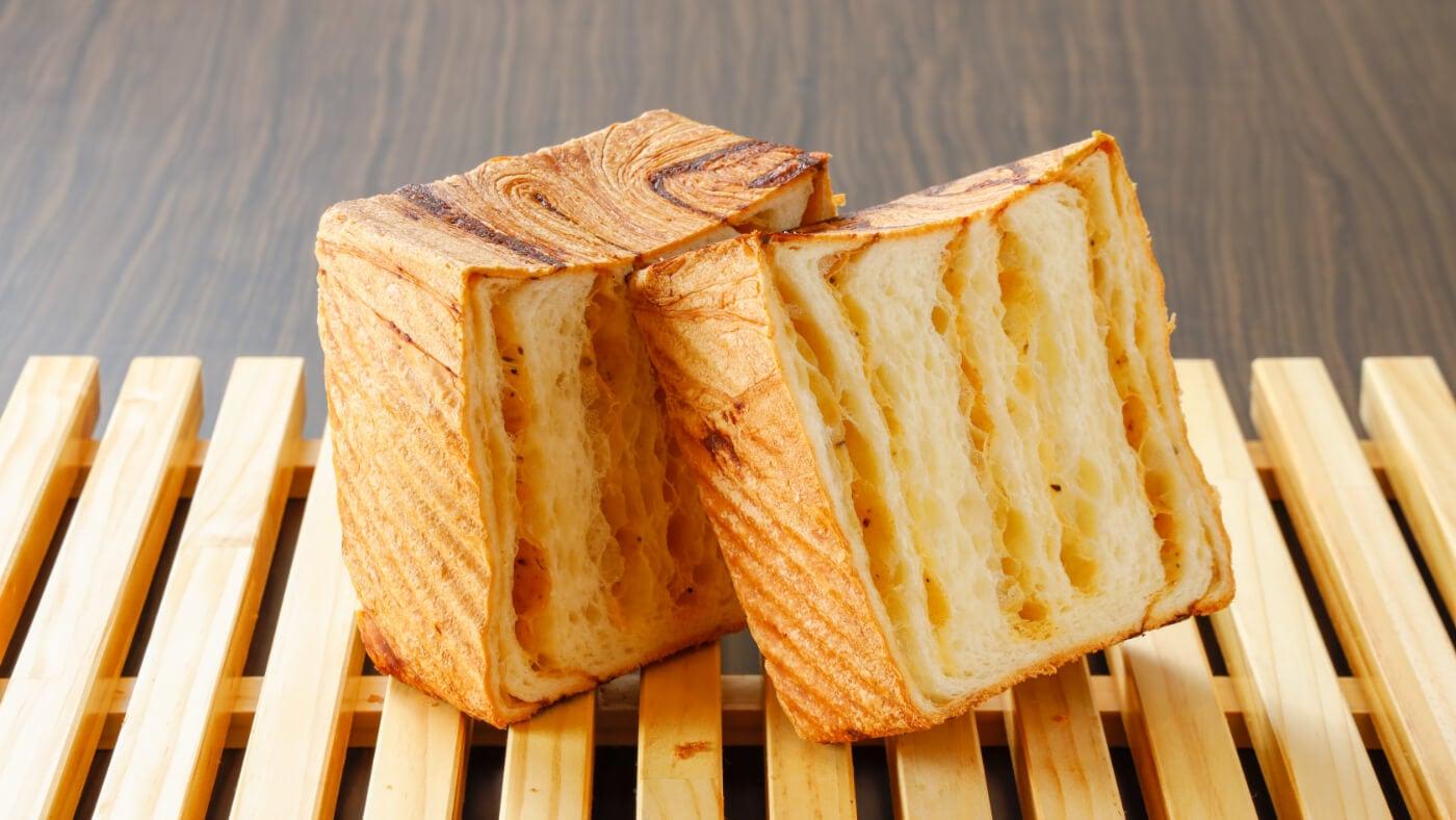 クロワッサン食パンプレミアムチーズ