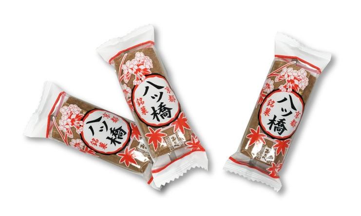 京都銘菓 八ツ橋:個包装なので小分けのお土産にもぴったり