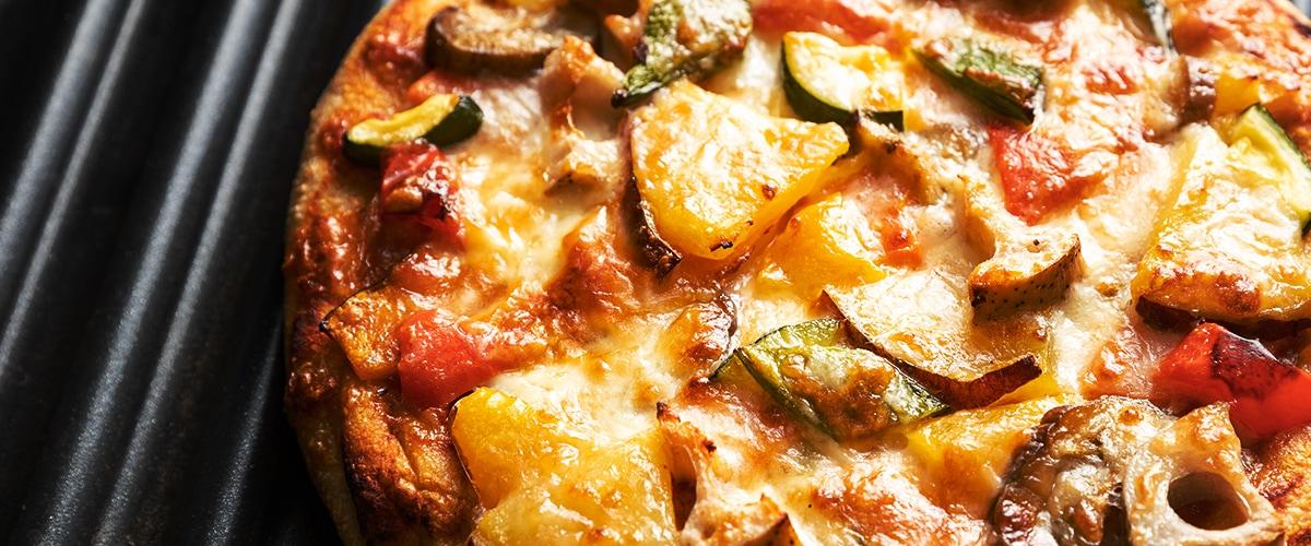 召し上がる前に再度火を通し、トッピングされたチーズがフツフツしてきたらお召し上がりの目安です。