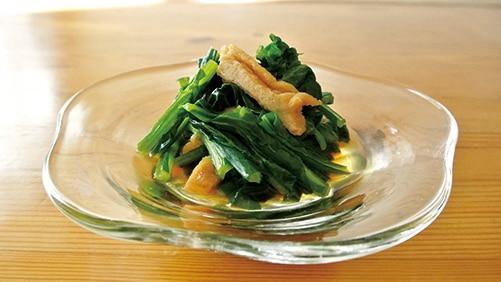これぞ東村山うどんつゆで小松菜と油揚げの煮浸し